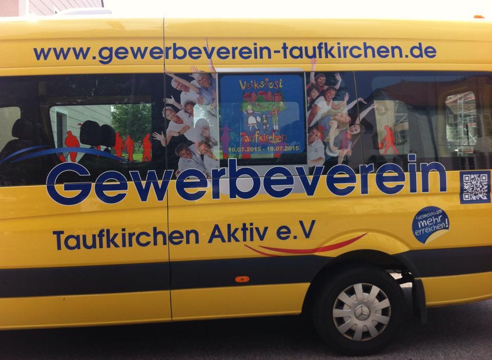 Gemeindebus_Fenster_Volksfest